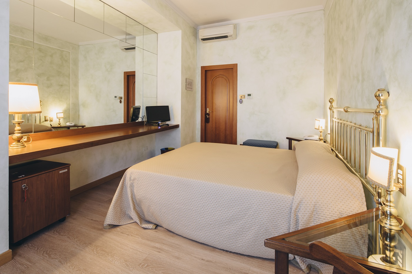 camera-matrimoniale-hotel-roma-bologna