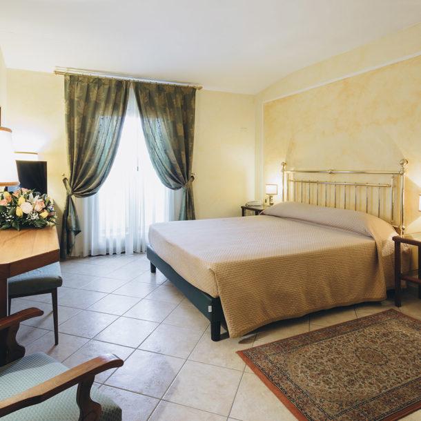 camera-matrimoniale-doppia-hotel-roma
