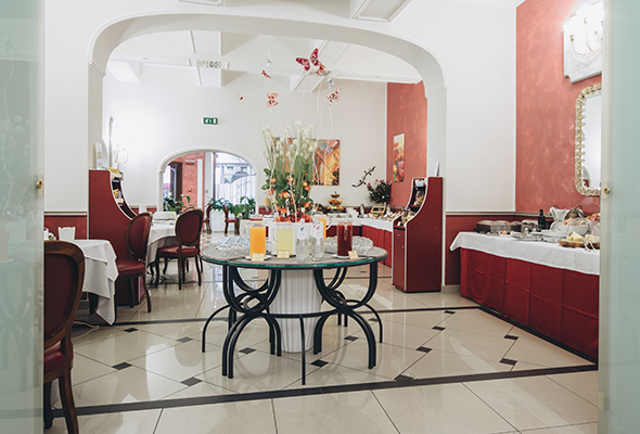 breakfast-room-hotel-roma-bologna