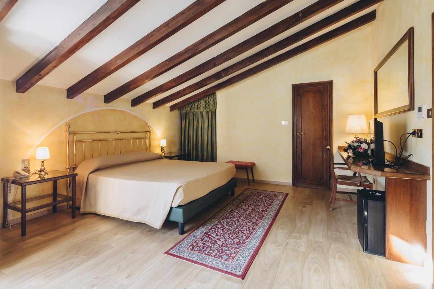 suite-mansardata-hotel-roma-bologna